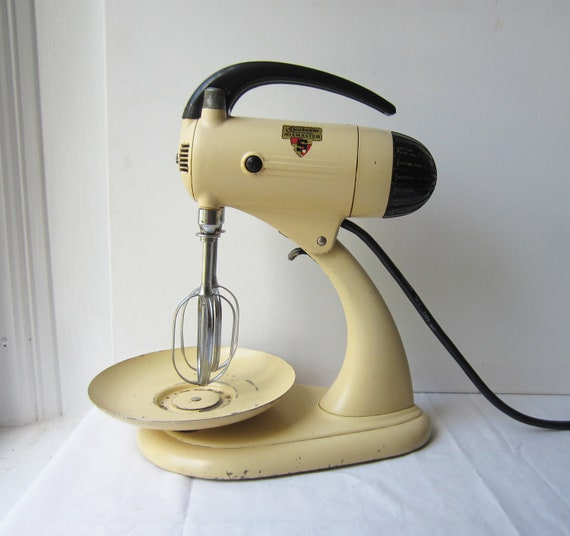 Vintage Sunbeam Mixmaster Yellow and Black 10-Speed Stand Mixer - Model 5B - Late 1930's Early 1940's