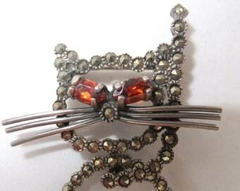 Vintage jewelry brooch in marcasite 925 silver orange rhinestones animated wiggles  cat brooch