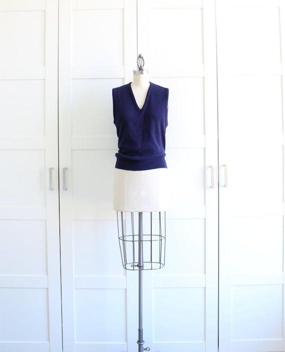 SALE - Vintage Vest / Navy Sweater Vest / Mens Vest Womens Knit Vest / size Medium