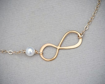 Infinity Pearl Bracelet, Gold Pearl Infinity Pendant, Wedding Jewelry, Bridesmaid Jewelry, Dainty tiny Bracelet