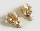 Signed Lisner Gold Tone Clip Earrings, Vintage Costume Jewelry