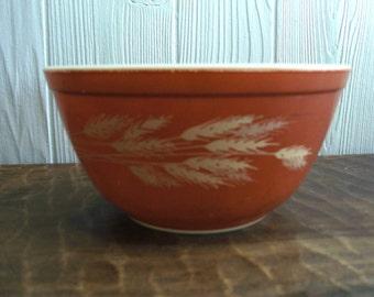 Pyrex 1 1/2 Quart Autumn Harvest Bowl