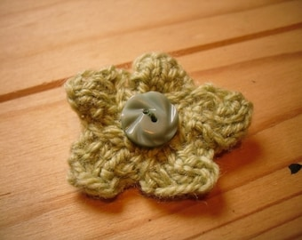 Mini Flower Brooch, Green Flower Pin, Knitted Brooch