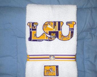LSU Tigers Towel, LSU Tigers Hand Towel, LSU Appliqued Towel, Bathroom Towel, Kitchen Towel, Sports Towel. Bar Towel, Graduation Gift