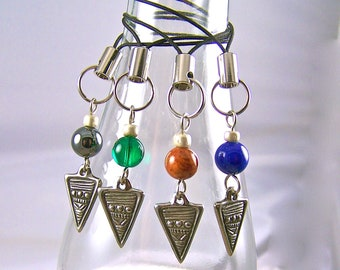 Wine Charms / Beer Bottle Beverage Marker Drink Label - Tribal Arrow Arrowhead - Set of 4 - Green Black Blue Brown Glass Beads Metal Charms