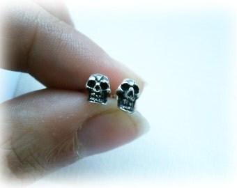 Skull earrings, Skull Studs, Silver Skull Stud 925 Sterling Silver, Tiny Skull Studs, Small Skull Earrings,  Skull Multiple piercing