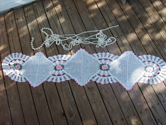 Gorgeous Large Vintage  Shabby Chic  Pink  Roses  Crochet  Doily  Doilie  So Paris Marie Antoinette