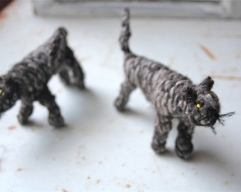 Knitted tabby cat