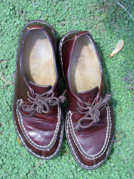CAST  Vintage BORN Oxford Lace UP Walking Shoe Dark Chocolate Brown  Leather   Lovely
