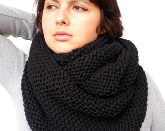 Infinity Black Chunky Circle Scarf Hand Knit Circle Scarf  Soft women/Men Scarf Gift Under 75 NEW COLLECTION