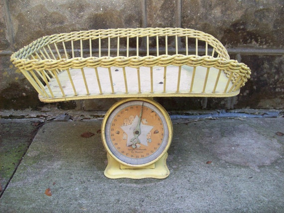 Antique Shabby Chic Wicker Baby Scale
