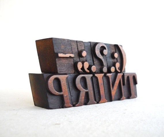 PUNCTUATIONS & PRINT , 13 Vintage Italic Letterpress Wood Type Collection - VG71