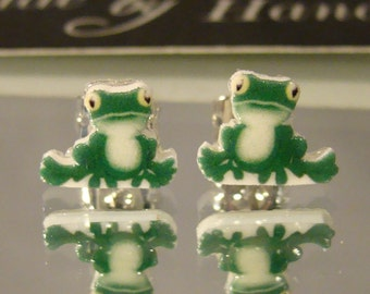 Green Cartoon Frog Stud Earrings