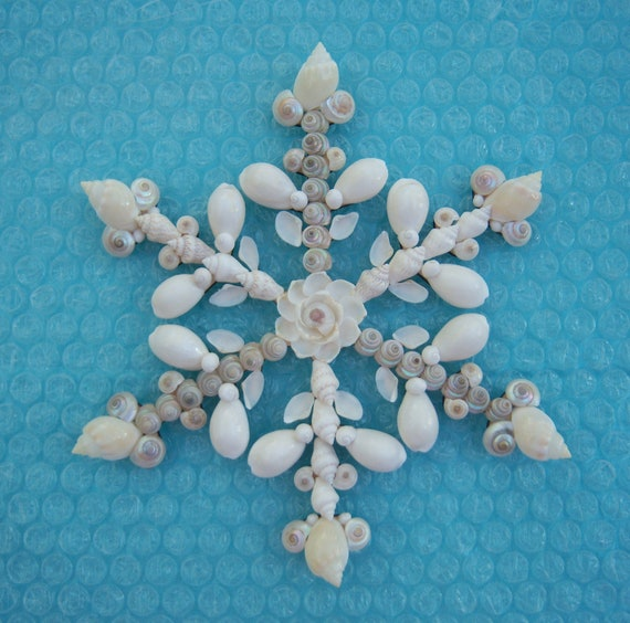 seashell ornament holiday snowflake window wall decor. Black Bedroom Furniture Sets. Home Design Ideas