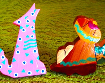 Take 20% off  Vintage Two MEXICAN Wood SIESTA & Howling Coyote Brooches