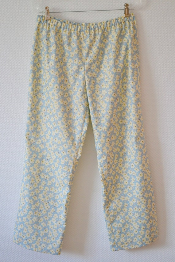 Women's Pajama Pants. Size Large. Scattered Flowers. Premium Cotton Amy Butler Print. Pale Blue. Cream