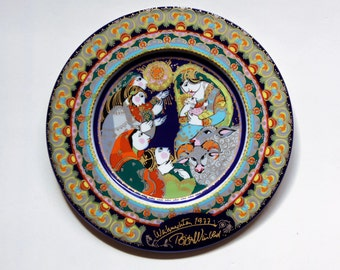 "Vintage Bjorn Wiinblad Christmas Plate 1977 by Rosenthal ""Adoration of the Shepherds"""