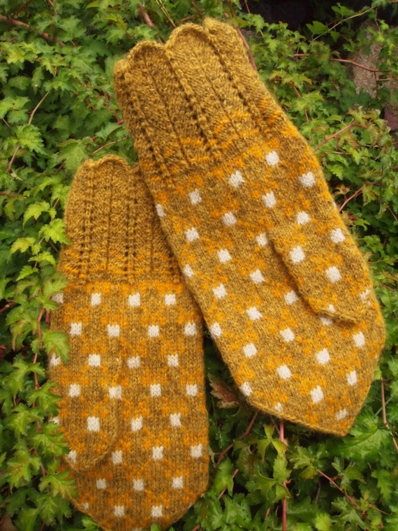 Finely Hand Knitted Estonian Mittens in Bronze Tones FREE SHIPPING for men and women