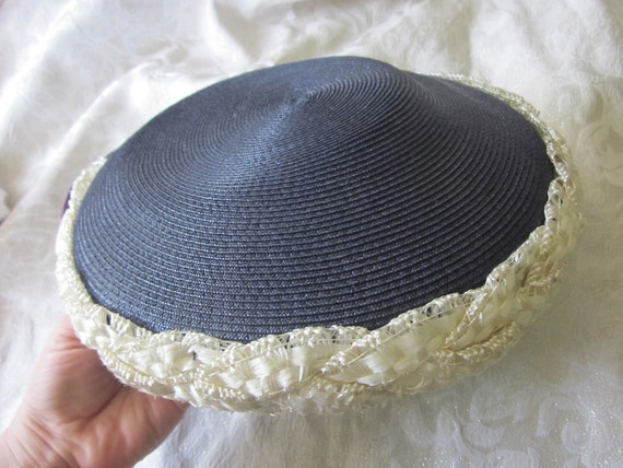 REDUCED 1950s Vintage Saucer Hat, Navy Blue and Ivory Straw, Great Condition, 1950s Retro Style