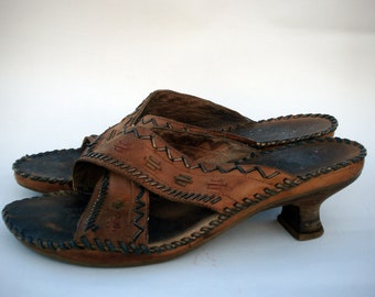 Vintage Decorated Leather Sandal Size 9