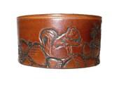 Brown leather cuff, squirrel