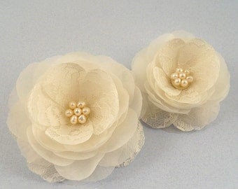 Freshwater Pearl Wedding Head Piece Bridal Head Piece Bridal Hair Flower Wedding Hair Flower SILK and Lace Bridal Hair Accessory Flower Clip