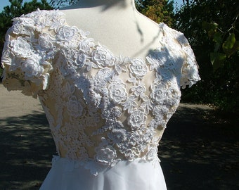 Wedding dress vintage lace 1970s bridal gown chiffon skirt traditional romantic style