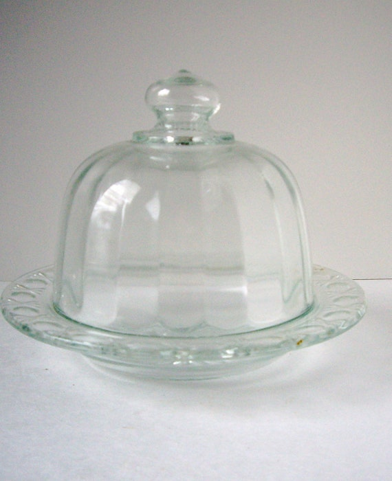 Vintage ribbed cheese butter cloche  1965