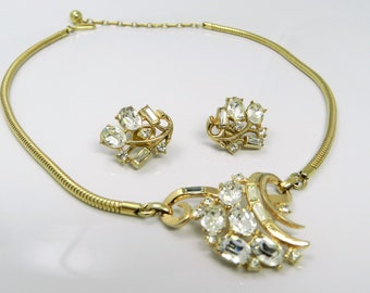 Vintage Trifari Pat Pending Rhinestone Necklace And Clip Earrings Demi Set In Gold Tone