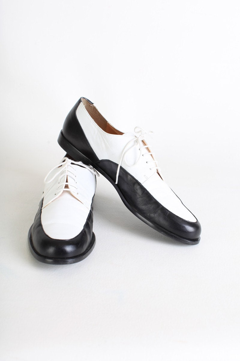 size 9 s black and white leather oxfords