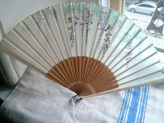 Pretty Silk and Bamboo Hand Painted Vintage Fan
