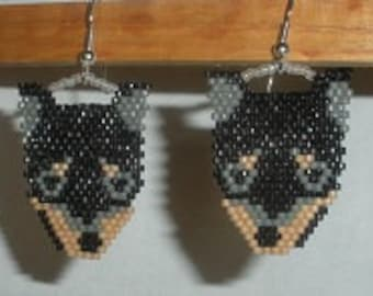 BEADING PATTERN black and tan dog for earrings or charm
