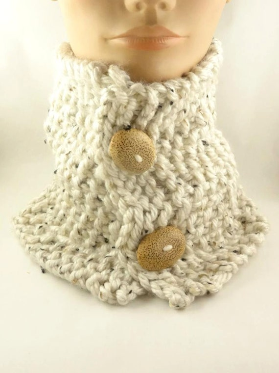Chunky Scarf with buttons knit neck warmer by ToppyToppyKnits