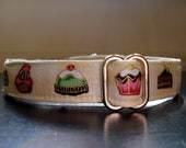 "Vintage Cupcakes Eco Dog Collar - Medium (12""-18"")"