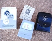 Very Nice GE Light Meter- Check out all of our Vintage Photography Accessories