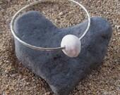 Puka Shell Bangle, Silver Hammered Bracelet, Hawaii Beach Jewelry, Hawaiian Beach Wedding