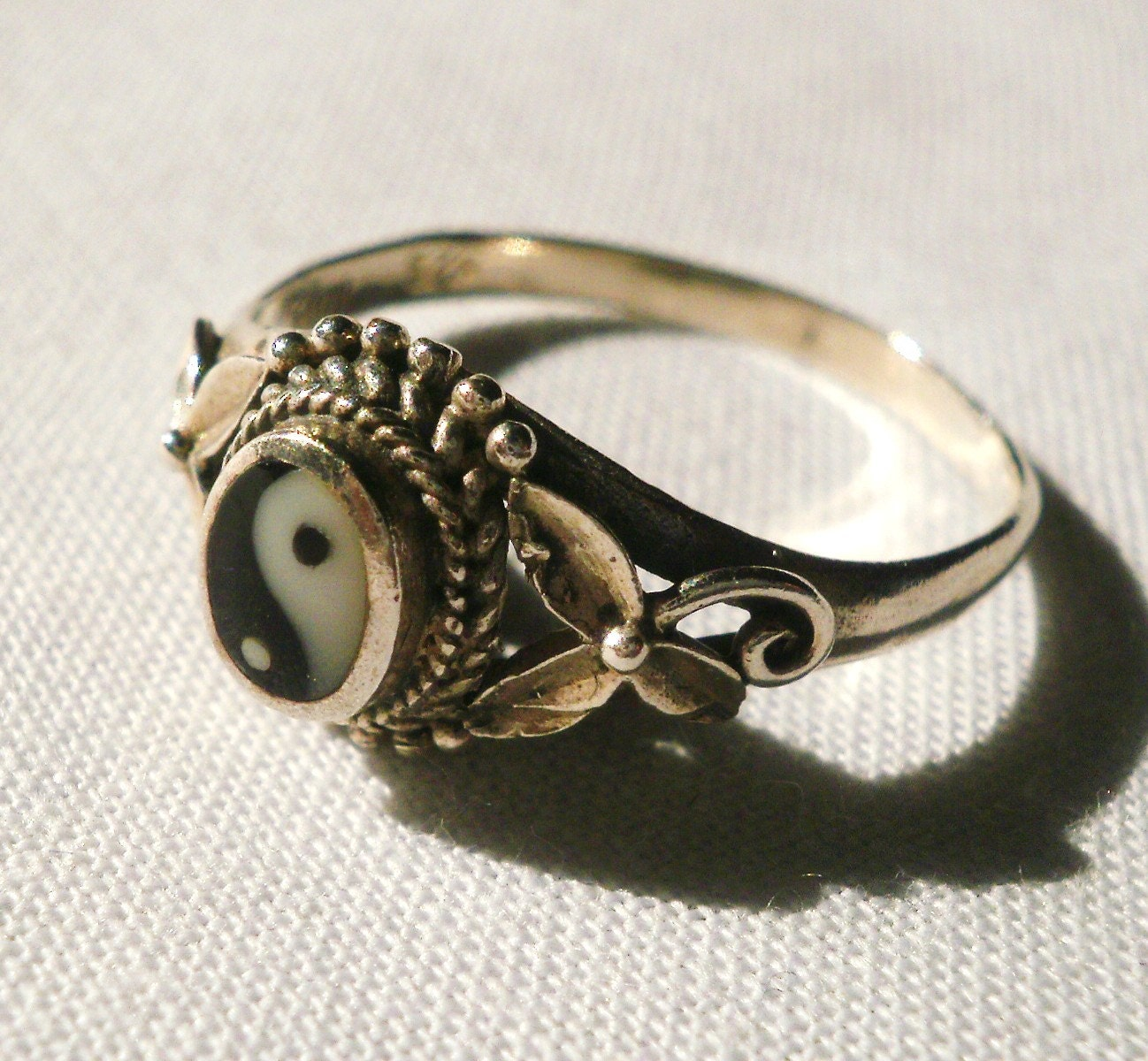 vintage sterling silver yin yang ring by antiquario on etsy