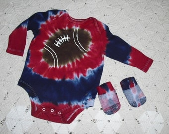 Tie dye bodysuit and socks, 0-3 month, long sleeved, navy and red football, 325