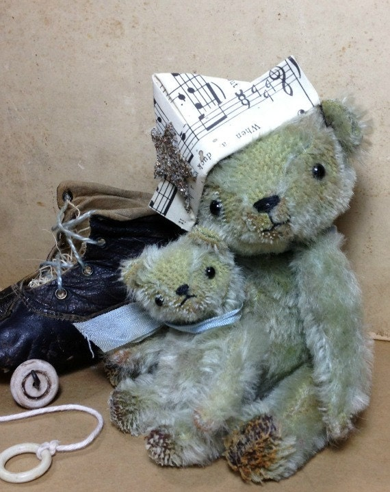 Finn and Puddle - Vintage Style Jointed Mohair Artist Bears with an Old Shoe Pull Toy