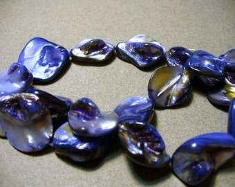 Mother of Pearl Nuggets Blue 15 - 20MM