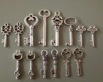 Keys to the Castle - Skeleton Keys - 14 x Antique Silver Vintage Skeleton Keys Key Set