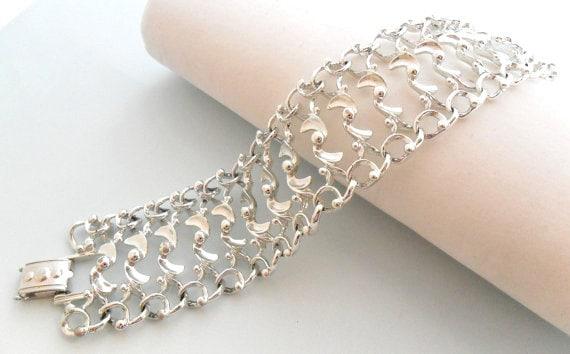 Sarah Coventry Silver Tone Bracelet - Fancy Free - 1960s Vintage