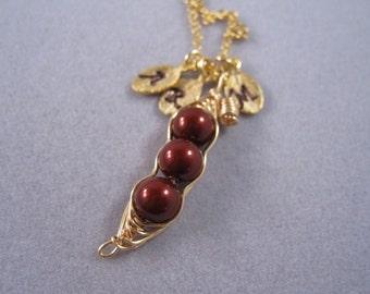 Three peas in a pod, Peapod, Pea pod, Swarovski pearl, Personalized, gold necklace, for Mom, Friendship