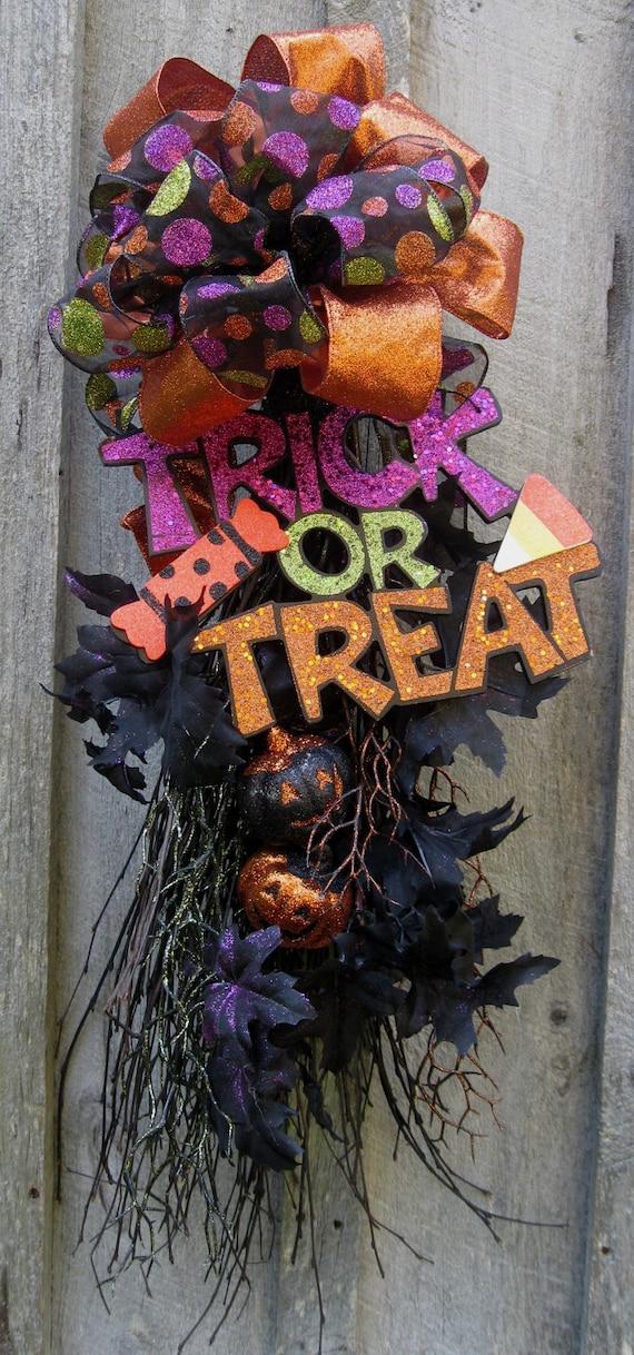 Halloween Wreath, Pumpkin Swag, Spooky Decoration, Fall Swag