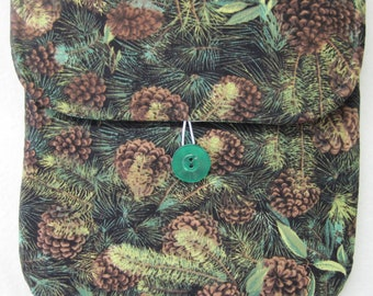 Fabric Christmas Gift Bag - Pouch Style (Green Pine and Pinecones)