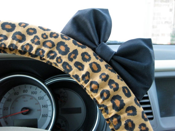 Steering Wheel Cover Bow - Cheetah Steering Wheel Cover with Black Bow BF11088