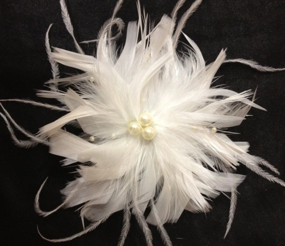 CUSTOM COLORS White or Ivory Feather Bridal Clip - Wedding Hair Piece -  Pearl Accents - Small Vintage Style Fascinator Ostrich Feathers