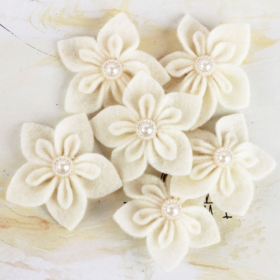 NEW  Fabric Flowers -  Lyrique A 562052 -  Ivory Cream Prima felt  flowers with  pearl button centers accents
