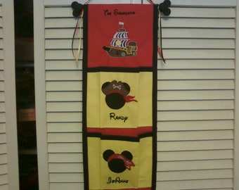 Disney Custom 2-Pocket Fish Extender with Embroidered Names
