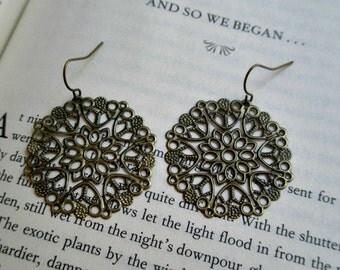 Lace filigree earrings- Bronze earrings- Antique bronze filigree earrings- Filigree- Feminine- Romance- Fashion earrings